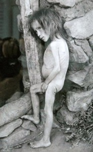 TAIMYR, RUSSIA. One of Fridtjof Nansen's photos covering the Volga famine in 1920 is on view at the exhibition in Taimyr. (Photo ITAR-TASS / Denis Kozhevnikov) Ðîññèÿ. Òàéìûð. Îäíà èç ôîòîãðàôèé Ôðèòüîôà Íàíñåíà, ïîñâÿùåííàÿ ãîëîäó Ïîâîëæüÿ 1920 ãîäà, ïðåäñòàâëåíà íà âûñòàâêå. Ôîòî ÈÒÀÐ-ÒÀÑÑ/ Äåíèñ Êîæåâíèêîâ