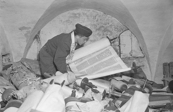JEWISH SCROLLS STOLEN BY GERMANY