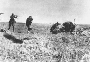 JEWISH WOMAN AND CHILD SHOT NEAR Ivanhorod Ukraine 1942